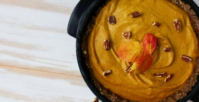 Vegan Pumpkin Pie (Mostly Raw)