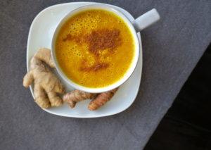 Turmeric Ginger Banana 'Mylkshake'